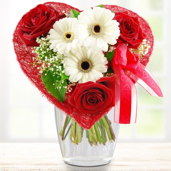 Blumenstrauß Blumenherz - rot - Nach Farbe - Blumensträuße ...